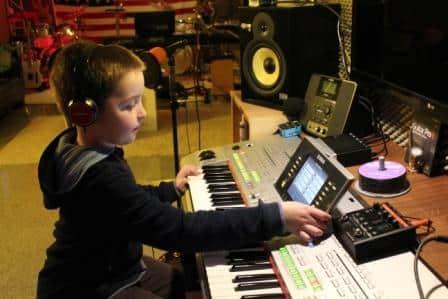 Musikschule für Keyboards-, Klavierunterricht, Harmonielehre, Tonstudio-Workshops