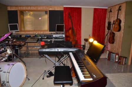 Musikschule für Keyboards-, Klavierunterricht, Harmonielehre, Tonstudio-Workshops und Geschenk-CD Aunfnahme in Münster,